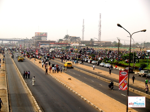 Photos of MASS PROTEST AGAINST THE REMOVAL OF FUEL SUBSIDY: DAY 1 (4/6)